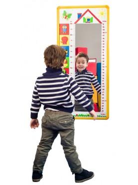 Spiegel mit Messlatte